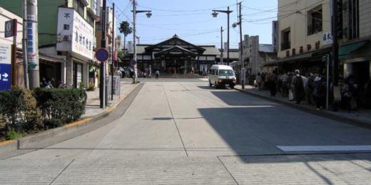 takaoekimae02.jpg